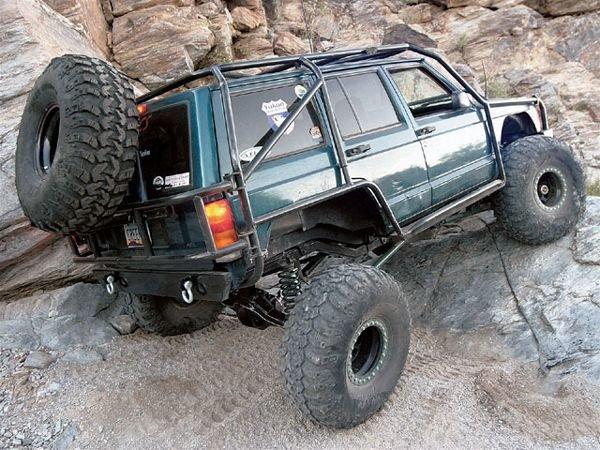 0503_4wd_01_z+1997_jeep_cherokee+jeep_xj.jpg